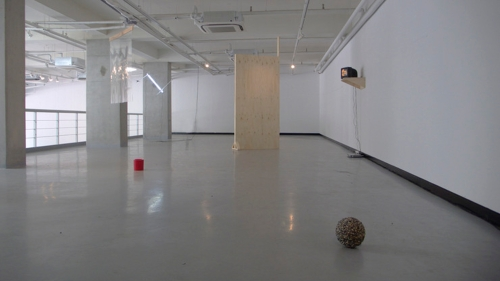 Warm Hole, installation view